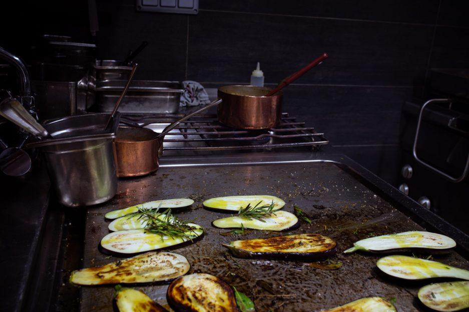 Préparations cuisine du restaurant L'Ami Jean